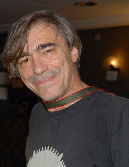 Julio Etchart, Anger through the lens