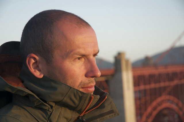 Dirk Simon1