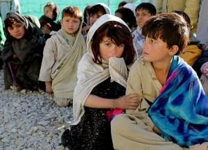 la crisis genera children pobreza